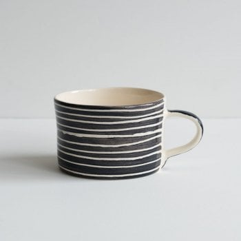 Musango Mug Sgrafitto Stripe Graphite