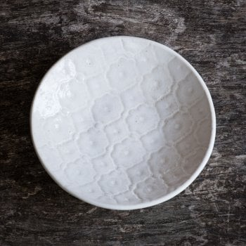 Wonki Ware Salsa dish in White Mixed lace
